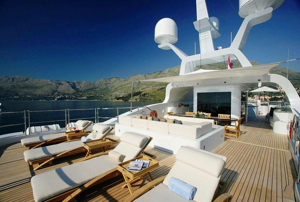 mega,yacht,cushion,Sumbrella,Aft-Sundeck-with-Sunbeds